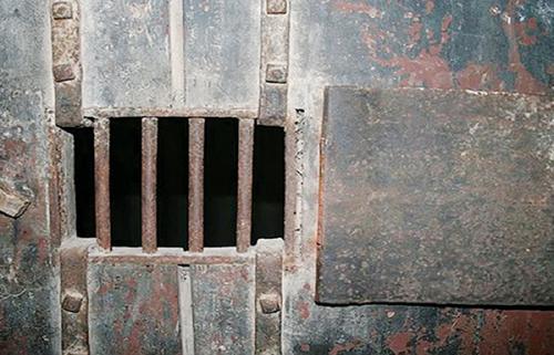 معتقلات مليشيا الحوثي في اليمن.. سجون سرية وإعدامات ميدانية