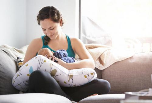 الرضاعة الطبيعية تحمي الأمهات من الإصابة بالسكري