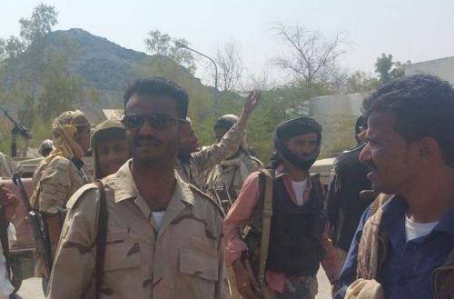 عبداللطيف السيد على رأس قوة ضخمة من الحزام الأمني ابين تحركت نحو العاصمة عدن