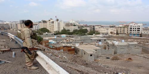 الصحة : 12 قتيلاً و 132 جريحاً حصيلة ضحايا أحداث عدن
