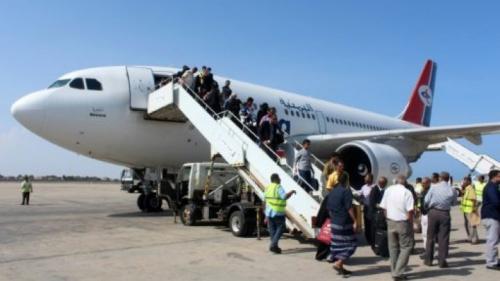 استئناف حركة الملاحة الجوية في مطار عدن بعد عودة الحياة الطبيعية إلى المدينة بشكل كامل