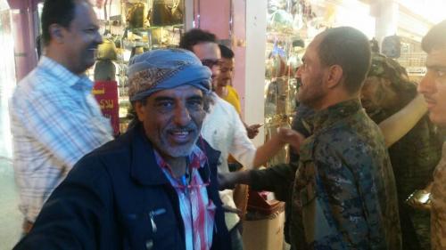 مدير أمن عدن يتفقد عدداً من المنشآت الحيوية والأسواق التجارية بالمدينة