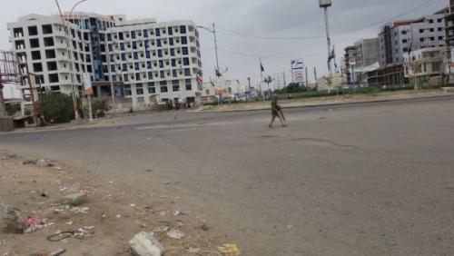 عدن : اشتباكات مسلحة على أرضية في محيط جولة كالتكس بالمنصورة