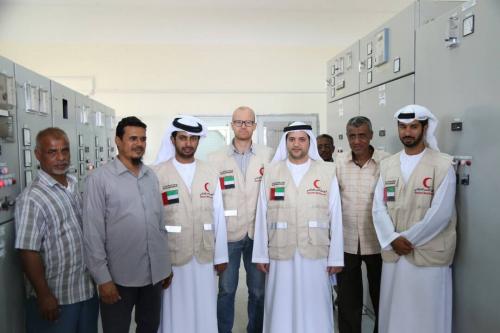 لجنة إماراتية تواصل زياراتها الميدانية لرصد احتياجات المنظومة الكهربائية بحضرموت