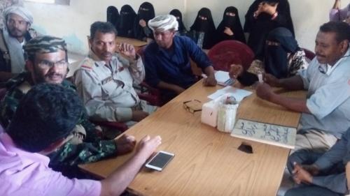 محافظ أبين يتفقد مدرسة الوحدة والثانوية وجمعية سواحل النسوية بزنجبار