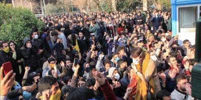 """مظاهرات بمدن إيرانية في """"الموجة الثانية من الثورة"""""""