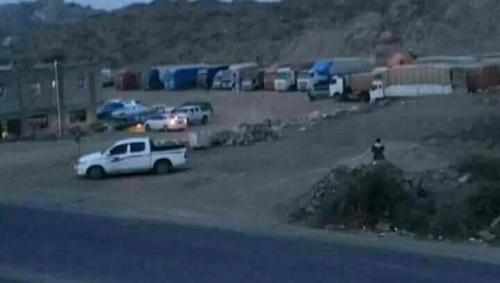 الحوثيون يمنعون إدخال أي بضائع من المنافذ الجمركية إلا بعد إيداع قيمتها في البنوك