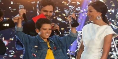 """بالفيديو: طفل مغربي يفوز بلقب """"ذا فويس كيدز"""""""