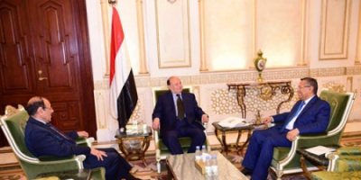 العرب اللندنية: الأحمر وبن دغر يقاتلان للتعلق بمنصبيهما في حكومة الشرعية اليمنية