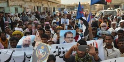 سقطرى تنتفض دعماً للمجلس الانتقالي الجنوبي وللمطالبة بإسقاط حكومة بن دغر