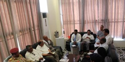 المحافظ البحسني يترأس اجتماعا للجنة الإعداد والتحضير للاحتفال بالذكرى الثانية لتحرير ساحل حضرموت