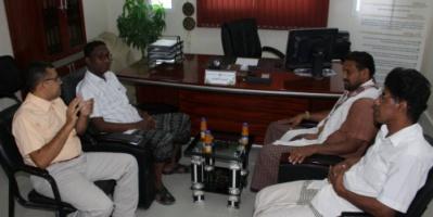 مدير التربية  بسيئون يطلع على سير نشاط برنامج المخترع الصغير بمؤسسة حضرموت للاختراع فرع وادي حضرموت