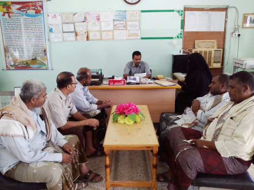 مدير التربية بحضرموت يلتقي بالقيادات التربوية ويزور مدرستي باعمر والملاحي بغيل باوزير
