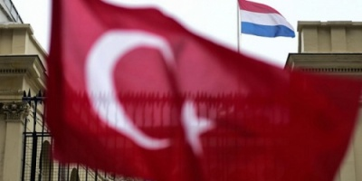 هولندا تسحب سفيرها من تركيا وتوقف أي محادثات معها
