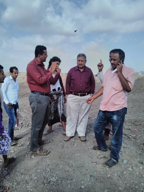 مدير صندوق النظافة بعدن يزور محمية الحسوة ويوجه بغرس 100 شجرة بالمحطة التحويلية للصندوق