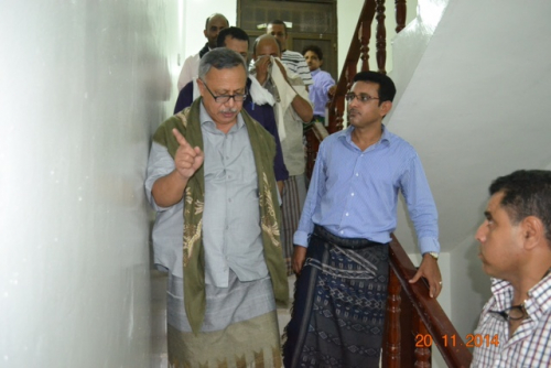 سفير الشرعية بالقاهرة مهاتفاً رئيس وزراء حكومة الحوثيين بن حبتور : السعودية لا تريد لليمن الاستقرار