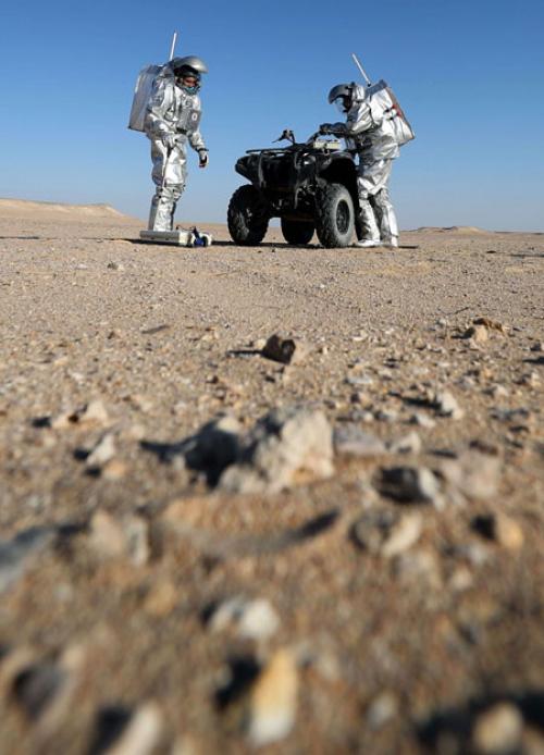 فريق أوروبي يحاكي ظروف المريخ في صحراء عمان