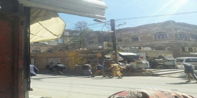 الحوثيون يقتحمون محلات تجارية في صنعاء ويجبرون أصحابها على دفع مبالغ طائلة تحت تهديد السلاح