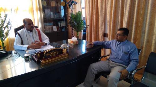 مدير عام سيئون يلتقي المدير التنفيذي لمؤسسة حضرموت للاختراع والتقدم العلمي فرع الوادي