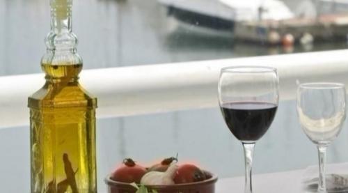 دراسة: أنظمة البحر المتوسط الغذائية تقلل خطر الإصابة بوهن الشيخوخة