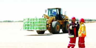 ضبط ألفي سلة غذائية نهبتها الميليشيات في حيس