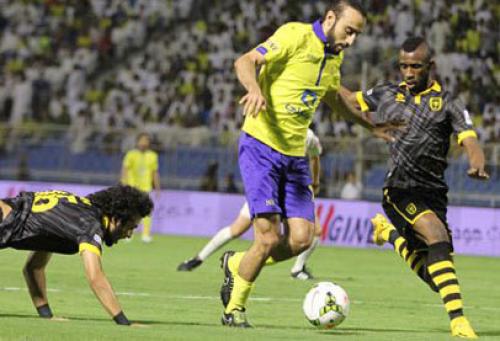 الاتحاد يفلت فرصة التساوي مع النصر في بطولة السعودية