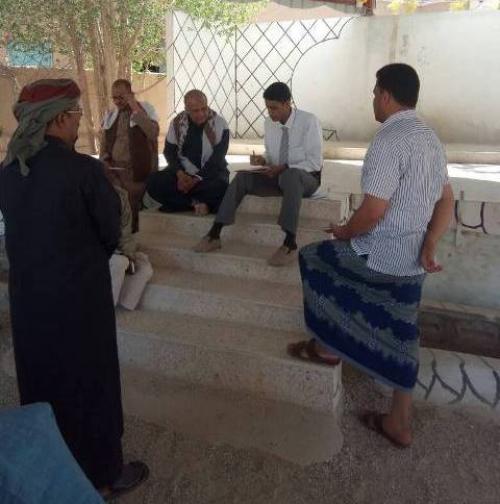 مدير مشروع  الاشغال بالمنطقة  الفرعية يسلم  مشروع خزان عيديد بتريم بكلفة أجمالية  77000 دولار