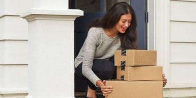 أمازون تخطط لإطلاق خدمة الشحن والتوصيل الخاصة بها هذا العام
