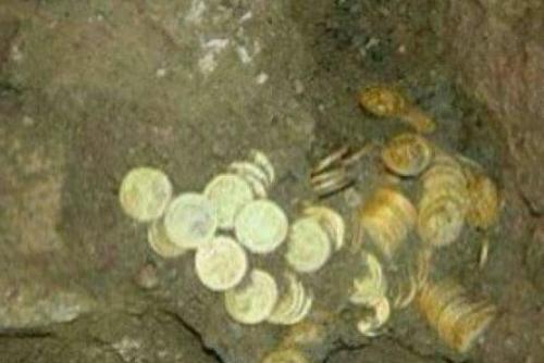 """""""الآثار اليمنية"""" تنفي ما تردد بشأن العثور على كنز أثري بتعز"""