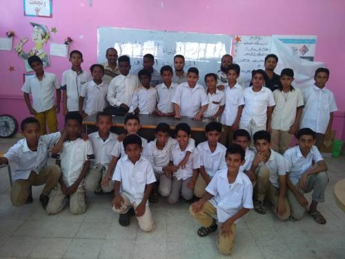 مسابقة ثقافية في مدرسة الخنساء للبنين للفترة المسائية بالمكلا
