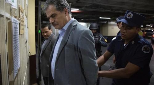 اعتقال رئيس منظمة أوكسفام العالمية بتهمة الفساد والتحقيق يمتد إلى عملها في اليمن