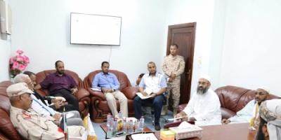 محافظ الضالع  يزور الهيئة اليمنية الكويتية الإغاثية بعدن لتنسيق جهود الإغاثة