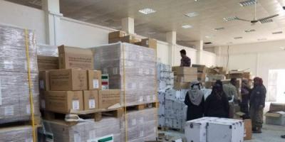 """فيما وفد من المنظمات الدولية في طريقه إلى يافع.. وزارة الصحة ترفد بعض المراكز بكميات من الأدوية """" صور"""""""