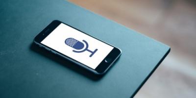 فيس بوك تخطط لتقديم سماعة ذكية منزليه الصيف الحالي