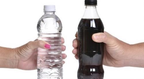 تناول المشروبات الغازية يومياً يقلل فرص الحمل