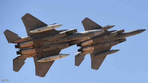 """عشرات القتلى من الحوثيين بغارات على موقع عسكري في """"نهم"""""""