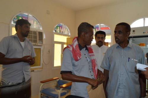 مدير عام مكتب الصحة بمحافظة المهرة يتفقد الخدمات الصحية والعلاجية بمديريتي سيحوت و المسيلة