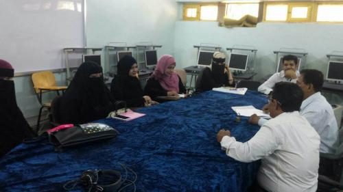 نيابة الدراسات العليا والبحث العلمي ورئاسة قسم الإعلام تلتقيان طلبة الماجستير في آداب جامعة عدن
