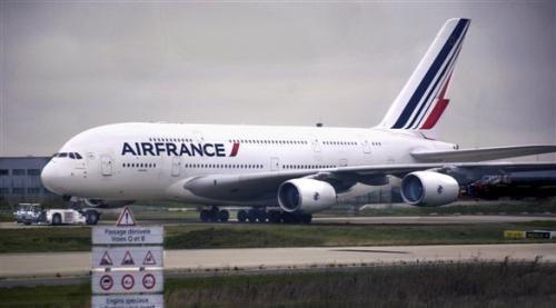 """باريس: إلغاء نصف رحلات """"إير فرانس"""" الطويلة بسبب الإضراب"""