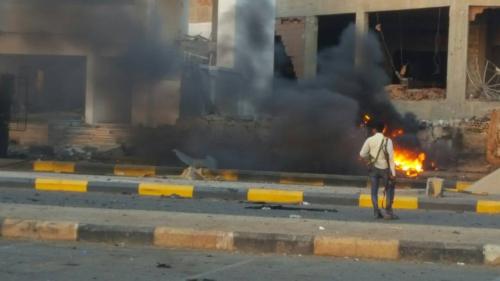 الرئيس هادي يهاتف مدير أمن عدن للاطمئنان عقب تفجير جولد مورويشيد بيقضة رجال الأمن