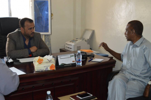 مدير مكتب الصحة بالمهرة ووكيل المحافظة العبودي يناقشان مستجدات النزول الميداني الى المديريات