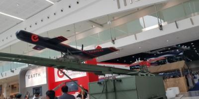بالصور: مدرّج متحرك للطائرات وأهداف جوية مصنّعة بأيدٍ إماراتية