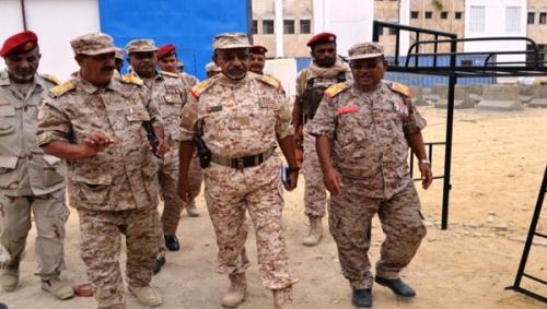 اللواء العمودي يزور المنطقة العسكرية الثانية ويشيد بوحداتها العسكرية