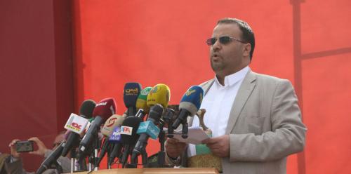 وزير في حكومة بن دغر يلتقي بالصماد في صنعاء