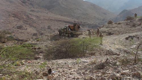 استشهاد جنديين اثنين واصابة اثنين اخرين بانفجار لغم ارضي في وادي المسيني بحضرموت