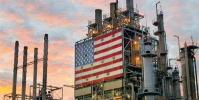 أسعار النفط تنخفض قبيل بيانات مخزونات الخام الأمريكية
