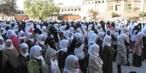 رسوم الميليشيات تطرد 60 طالبة من احدى مدارس صنعاء