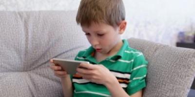 PhoneKid هاتف ذكى جديد مخصص للأطفال يسمح للأباء بالتحكم فيه عن بعد