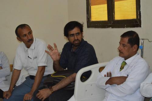 مدير عام مكتب الصحة بالمهرة يتفقد مستشفى الغيضة المركزي