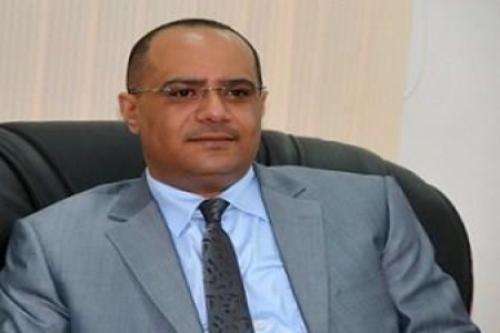 وزير النقل السابق باذيب : قرار الجبواني بشأن الموانئ البرية طامة كبرى